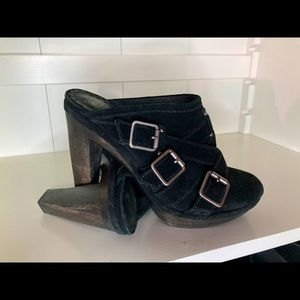 Juicy Couture Suede Clog - Black